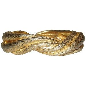 Castlecliff Interlocking feather bangle